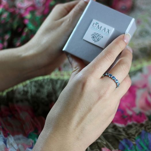 Серебряное кольцо с голубыми топазами Swarovski Веночек счастья