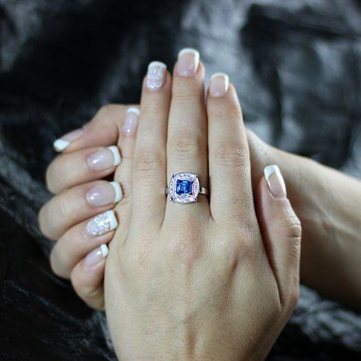 Серебряное кольцо с синим топазом Swarovski Фелисия