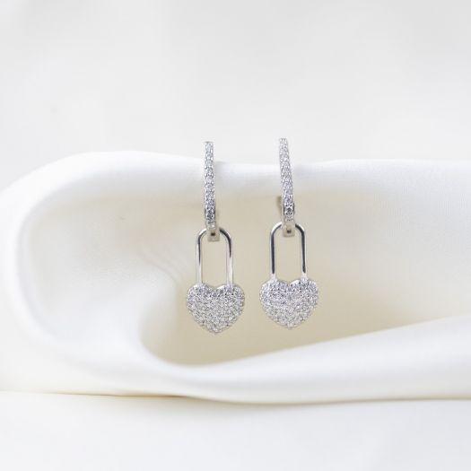 Серебряные серьги с белыми камнями Чувства
