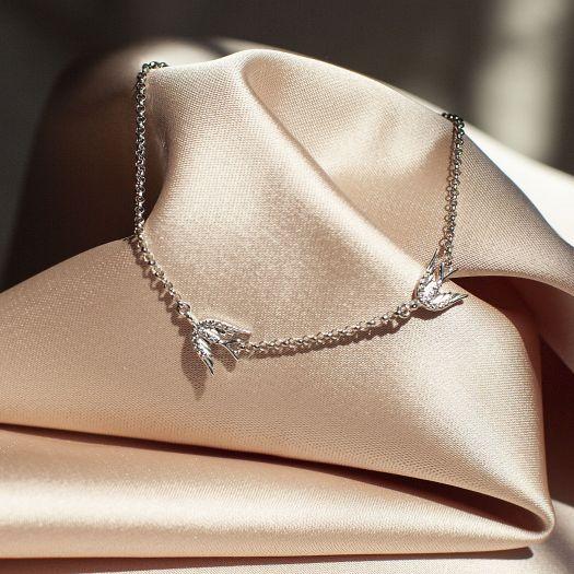 Серебряный браслет с камнями Ласточки