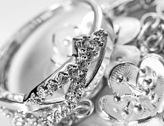 Срібні прикраси